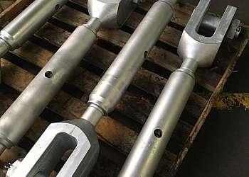 Esticador de cabo de aço